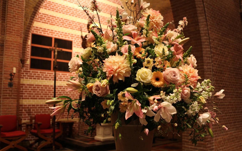 Altijd Bloemen, bloemist in Blaricum - aankleding met bloemen bestellen 4