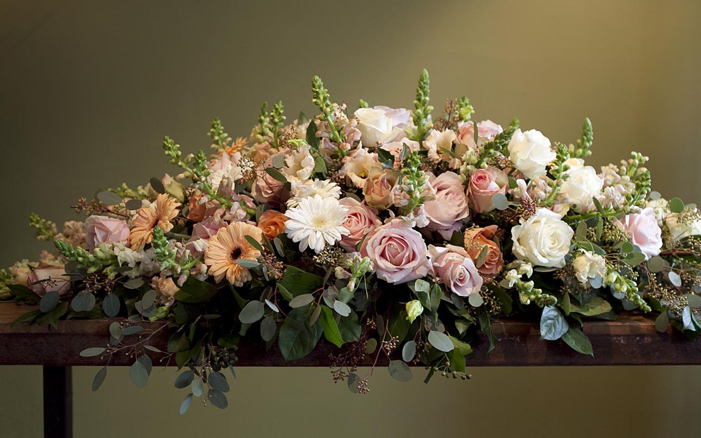 altijd-bloemen-blaricum-rouwboekAltijd Bloemen, bloemist in Blaricum - rouwboeket bestellen 1etten-1
